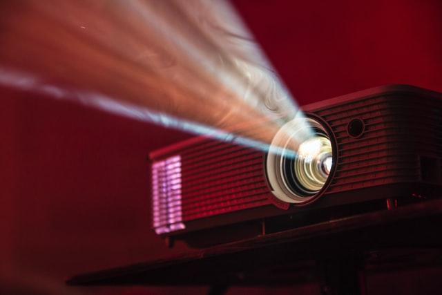 プロジェクター光線